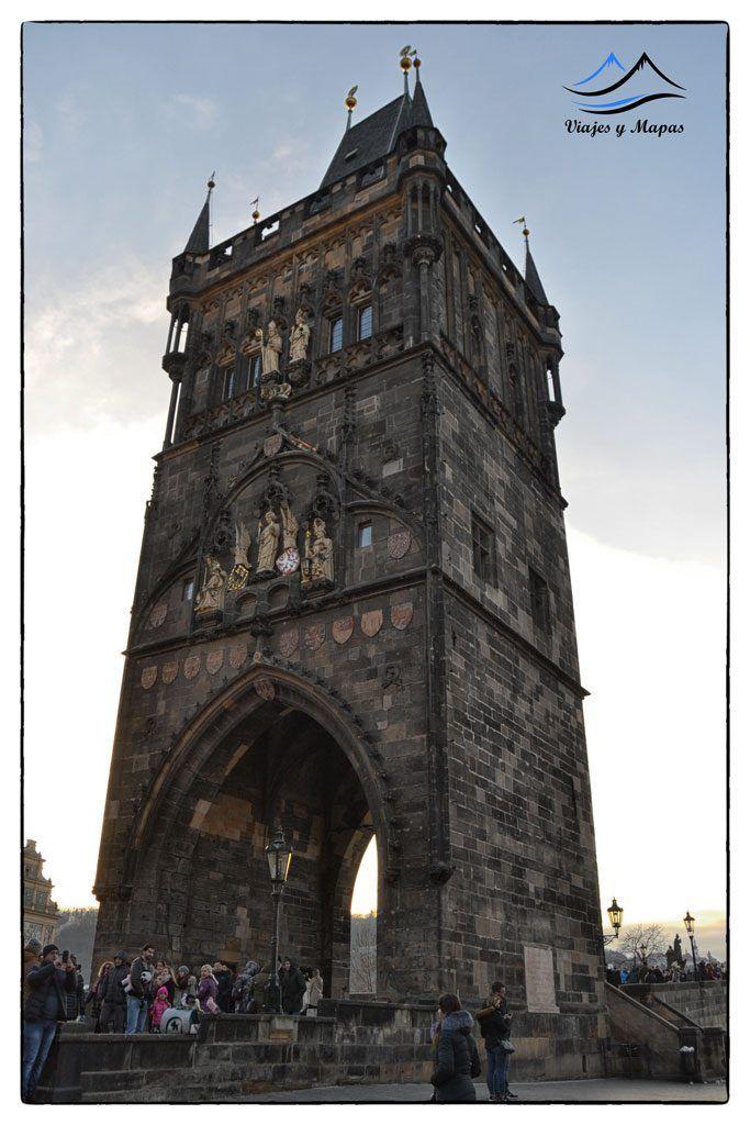 Torre del puente de carlos