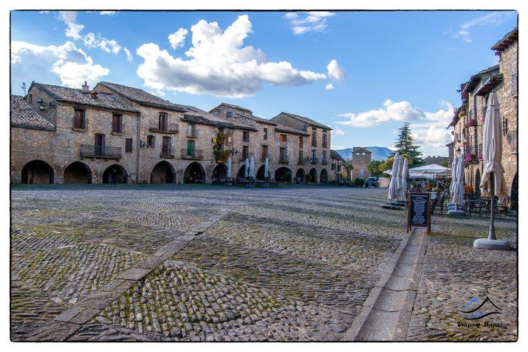 plaza-mayor-ainsa