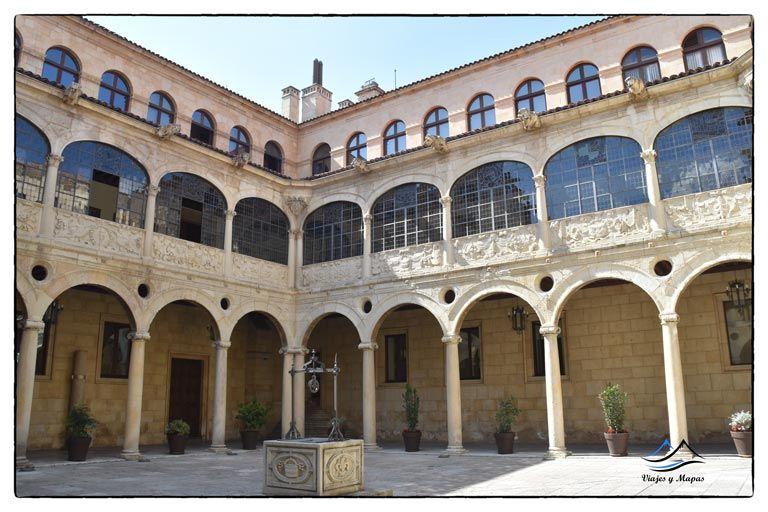palacio-de-los-guzmanes-leon