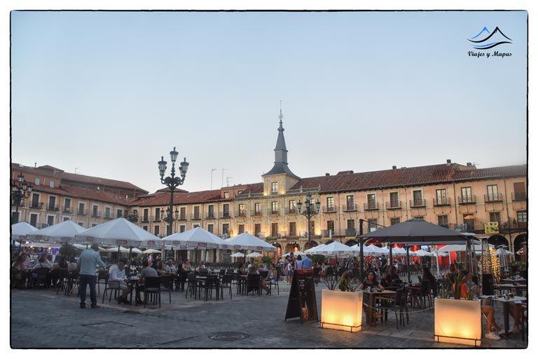 plaza-mayor-de-leon