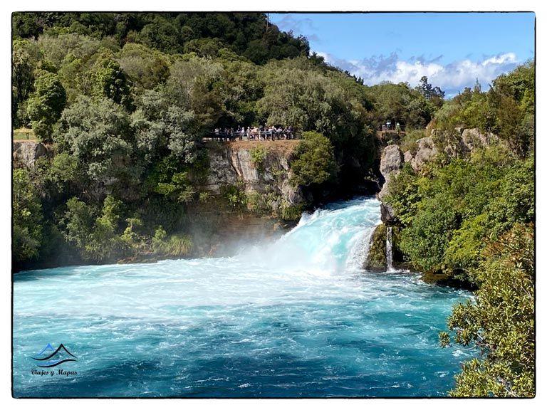 cascada-de-huka-nueva-zelanda
